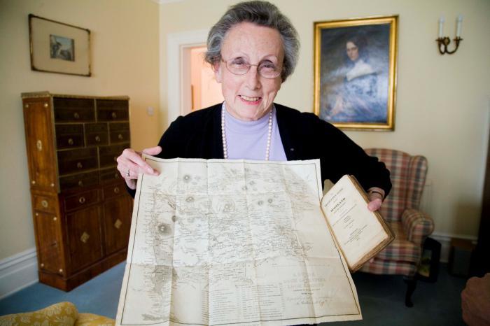 Cecile Stheeman holding Mendelssohn's Map of Scotland